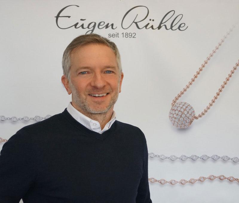 Chris-Richardon-Eugen-Ruehle-Pforzheim-Back-Office-Kontakt